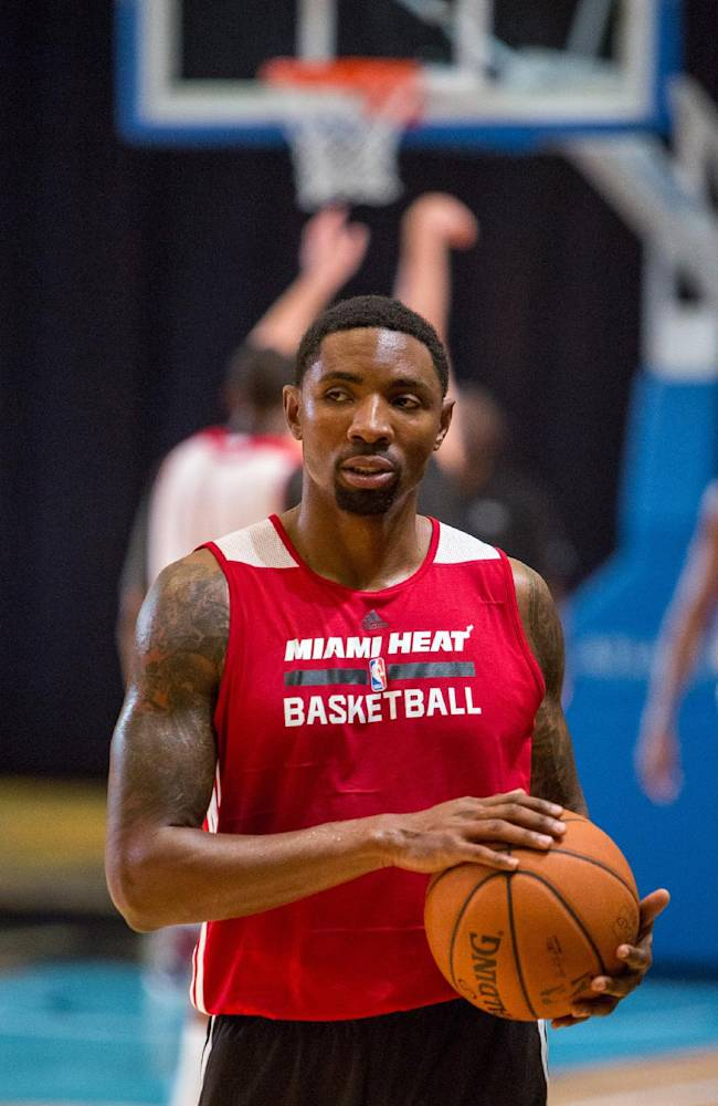 Miami Heat guard Roger Mason Jr. trains at the Atlantis resort on Paradise Island, Bahamas, Wednesday, Oct. 2, 2013. The two-time defending NBA champions are holding a one week training camp at the resort