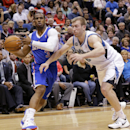 Los Angeles Clippers guard Chris Paul (3) drives against Minnesota Timberwolves forward Robbie Hummel (6) during the second quarter of an NBA basketball game in Minneapolis, Monday, March 31, 2014 The Associated Press