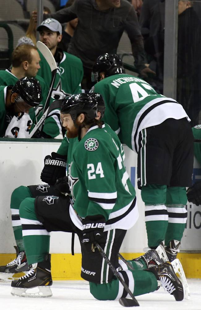 Stars' Peverley collapses; game with Columbus off