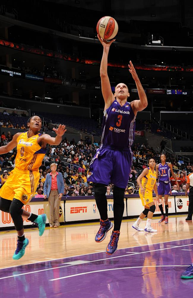 Mercury beat Sparks 78-77 on Griner's late basket