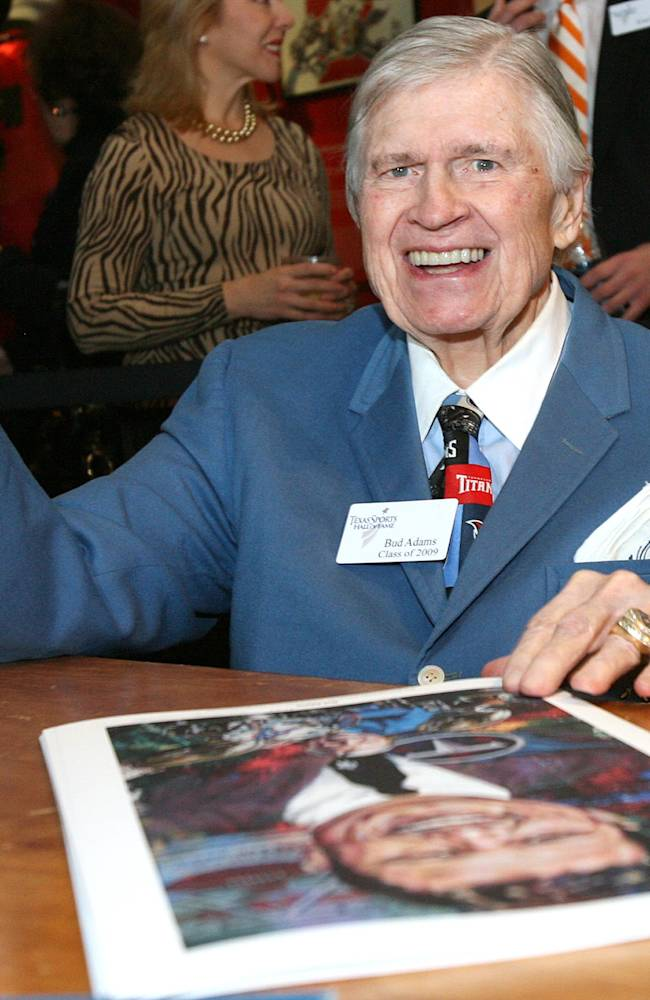 In this Feb. 8, 2010, file photo, Tennessee Titans and former Houston Oilers owner K.S.