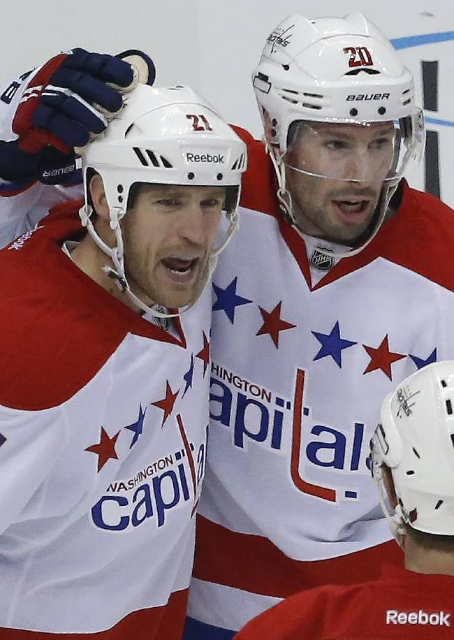 Maatta's late goal lifts Penguins by Capitals 4-3