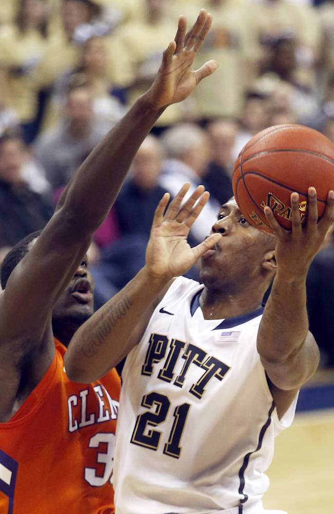 No. 20 Pittsburgh throttles Clemson 76-43