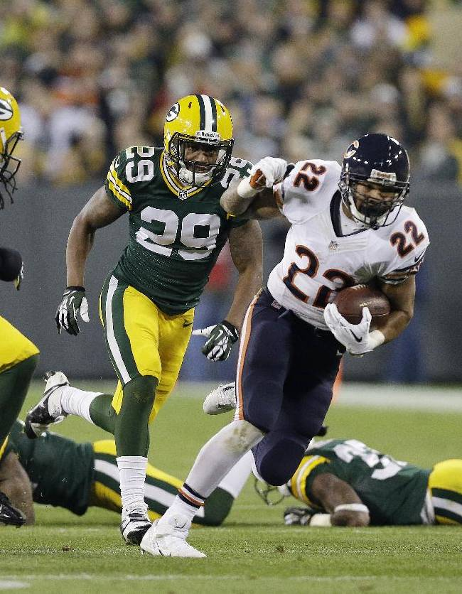 Rodgers hurt, Bears lead Packers 24-20 after 3
