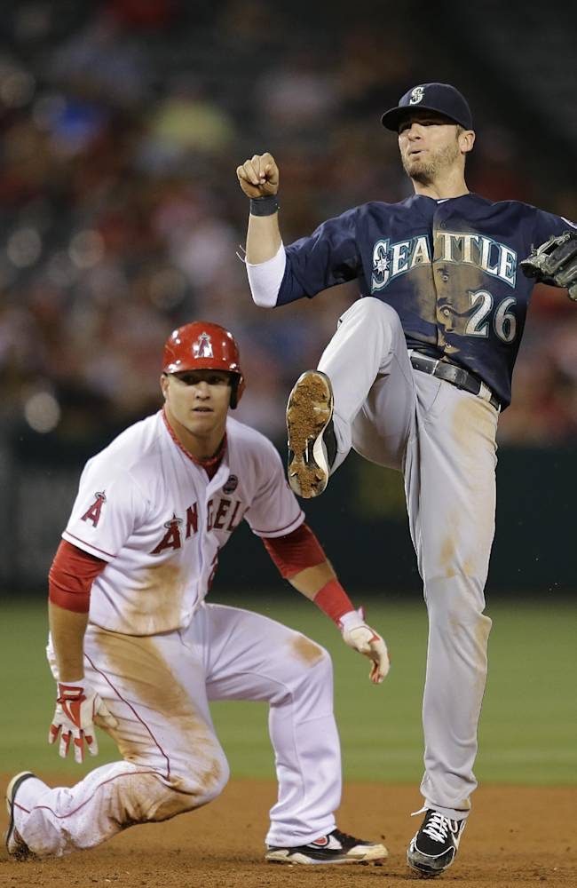 Morales lifts Mariners to 3-2 win over Angels