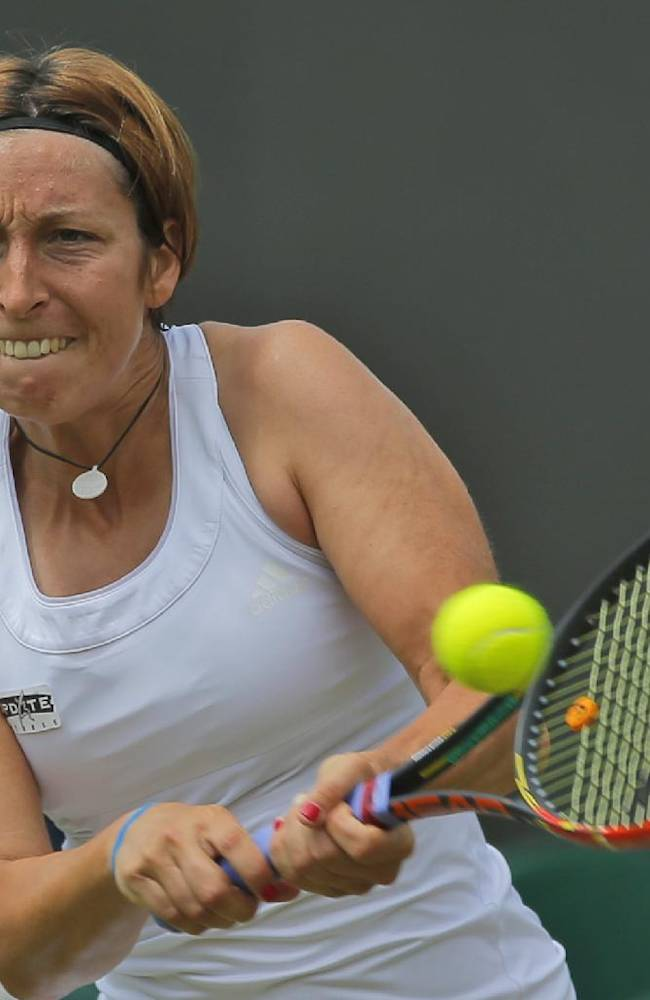 Errani, Meusburger reach 2nd round in Bad Gastein