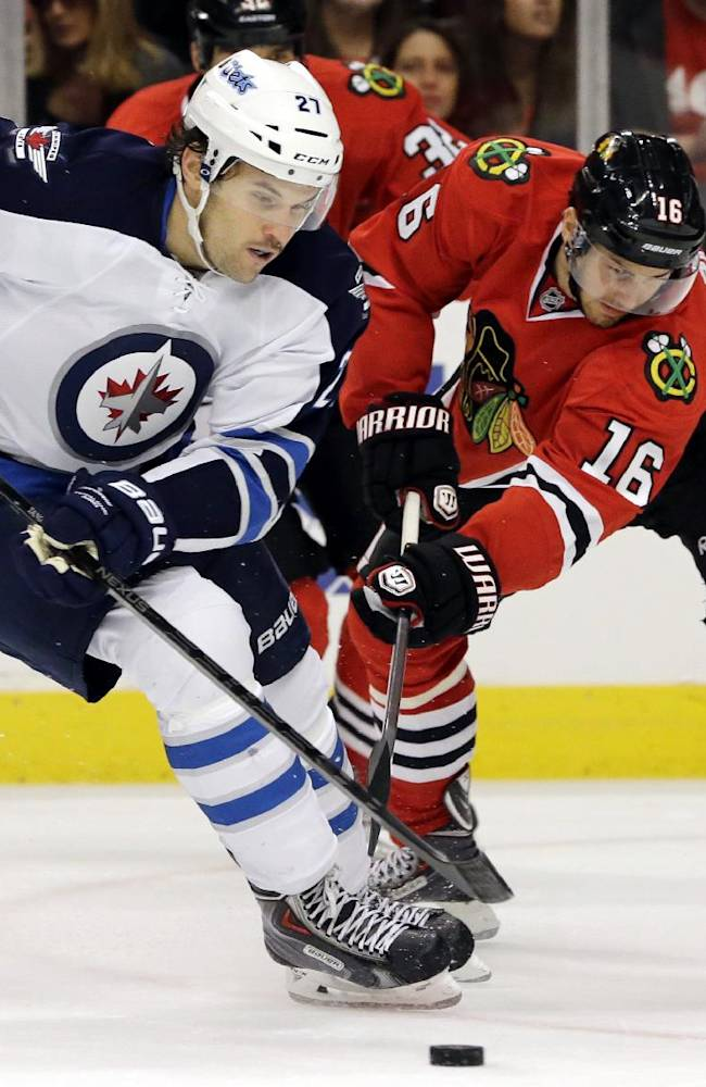 Blackhawks cruise to 4-1 victory over Jets