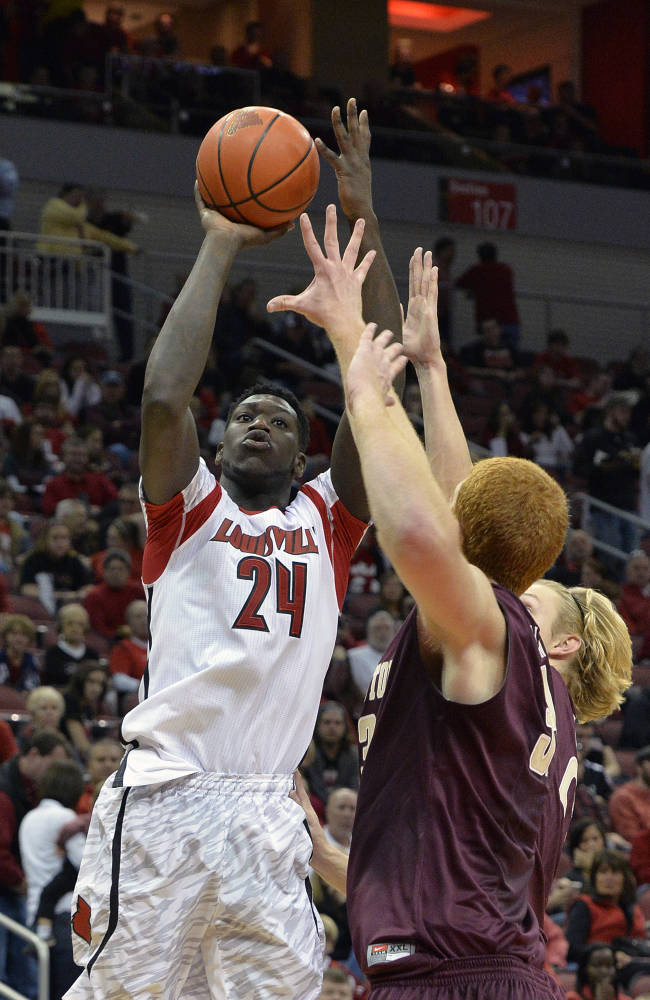 No. 3 Louisville opens title defense with easy win
