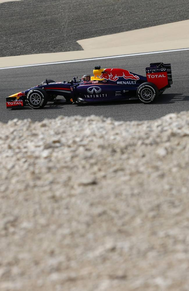 Mercedes drivers fastest in Bahrain GP practice