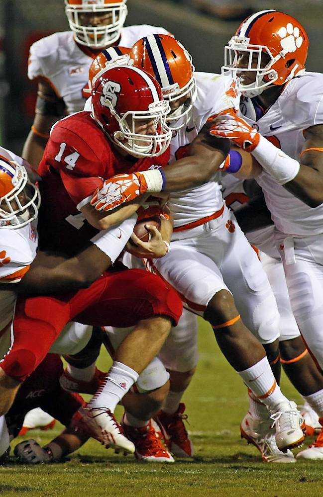 A lean Beasley leads No. 3 Clemson, ACC in sacks
