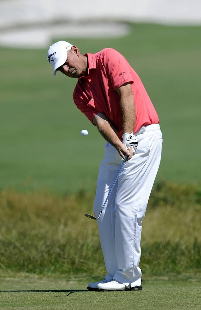 Bjorn holds 2nd-round lead at World Cup