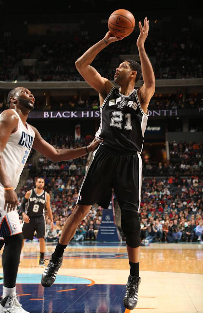 Mills' 32 points lift Spurs over Bobcats 104-100