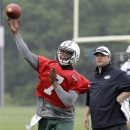 Photo: Jets QB Geno Smith picks Jay-Z's agency as new rep (Yahoo! Sports)