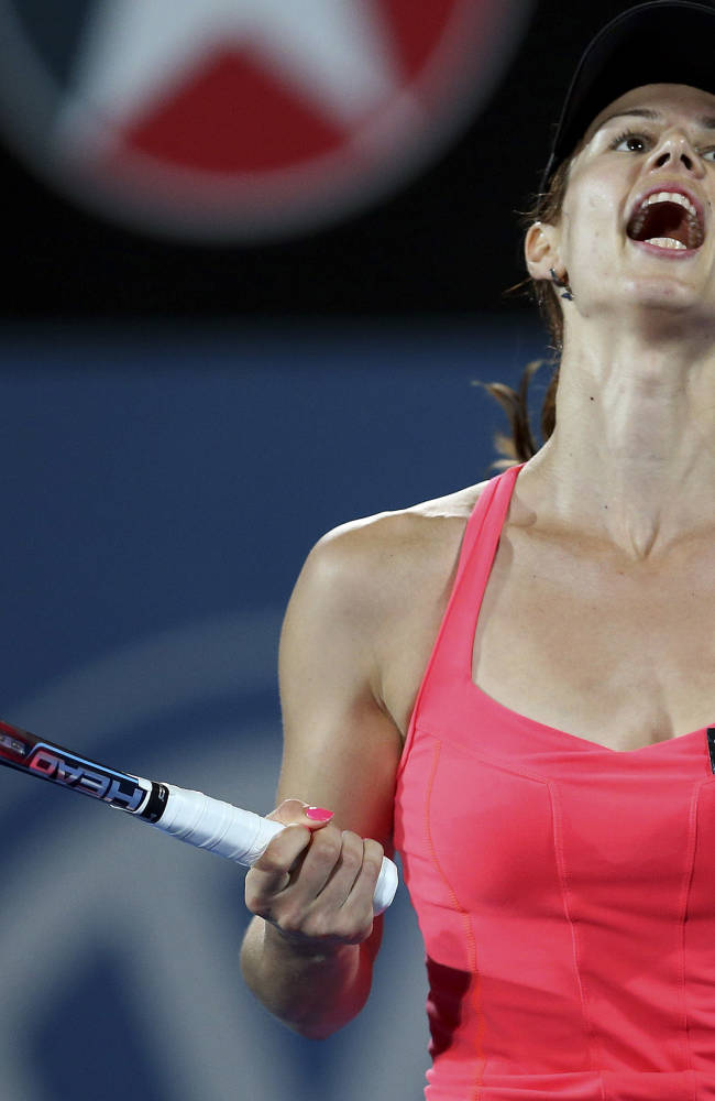 Pironkova wins Sydney title; Del Potro into final