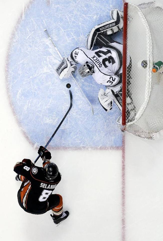 Ducks beat LA 4-3 in Game 5, take 3-2 series lead