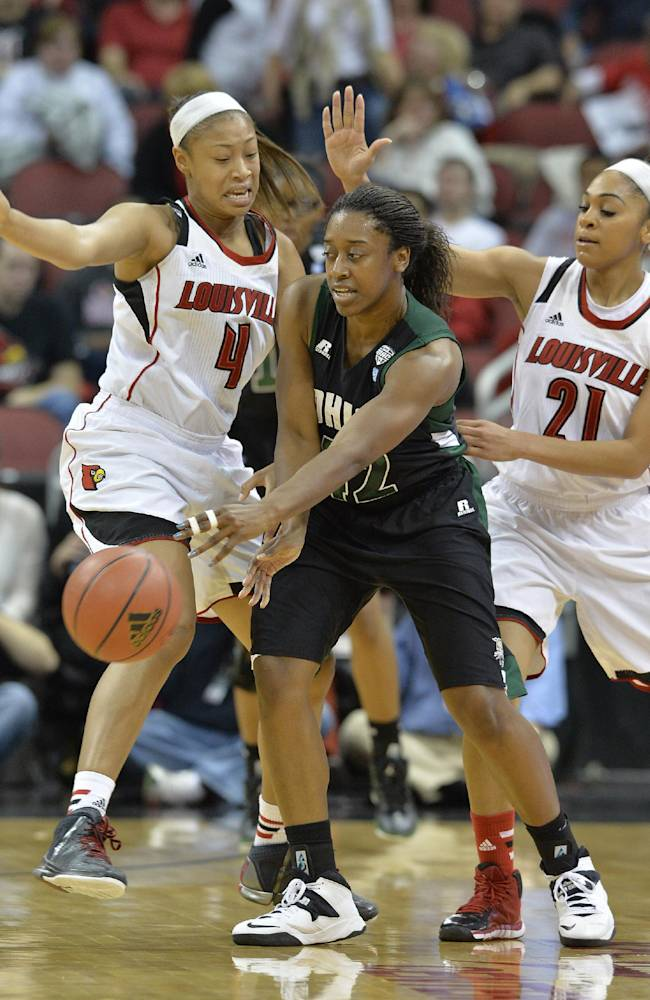 No. 4 Louisville women rout Ohio, 90-33