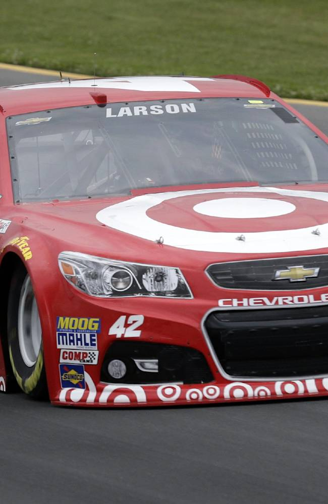 Larson wins 1st career pole at Pocono Raceway