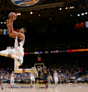 Curry shoots Warriors to 102-93 victory over Bucks The Associated Press