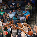 Lee leads 5 in double figures, Grizzlies beat Bucks 96-83 The Associated Press
