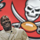 Derrick Brooks set standard for NFL linebackers The Associated Press
