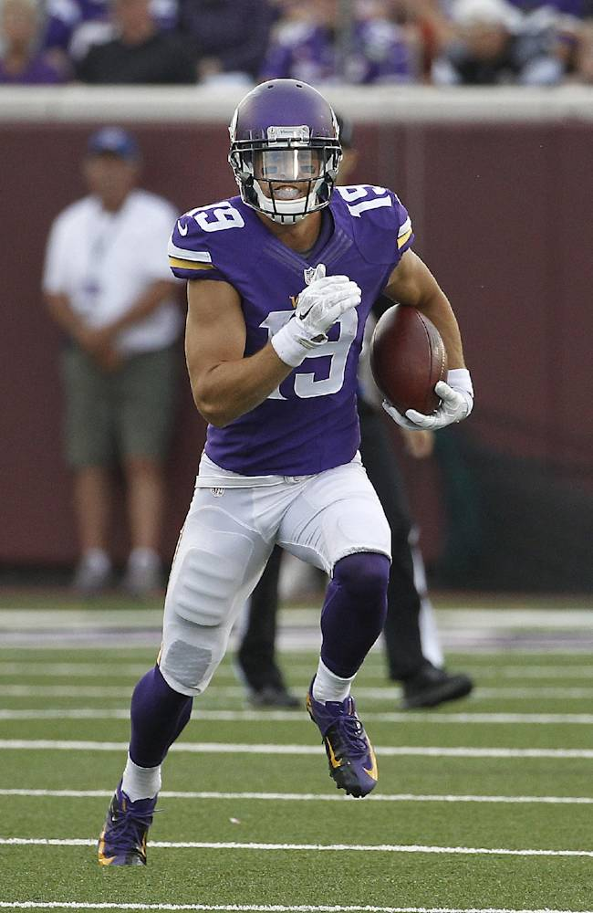 Versatile Thielen trying to stick with Vikings