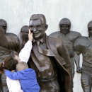 Penn St. fans plan new statue of Joe Paterno The Associated Press