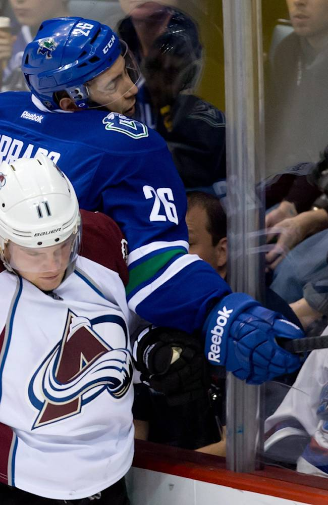 Barrie lifts Avs past Canucks 4-2