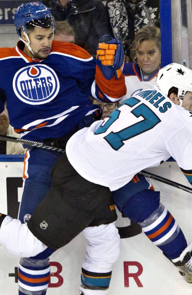 Pavelski has 3 goals, 4 points in Sharks win