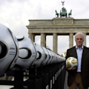 Beckenbauer questioned by Swiss prosecutors over World Cup bid (Reuters)