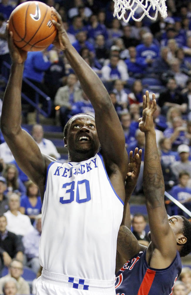 Top-ranked Kentucky blasts Robert Morris, 87-49