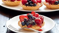 Cooking with Karen: Summer berry tart Ep 2 (08.02.2013)