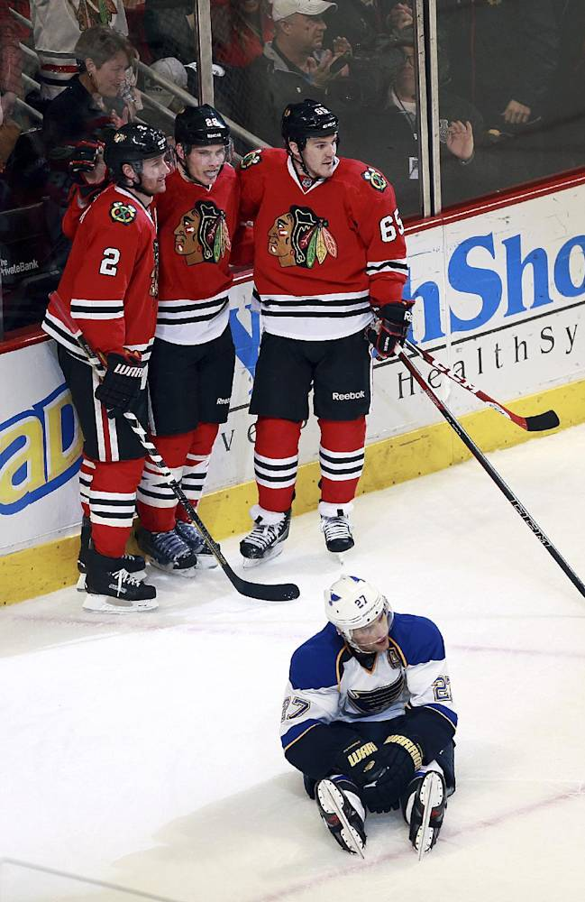 Blackhawks topple Blues 4-2