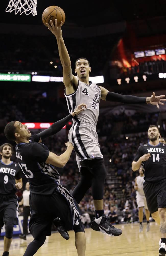 Leonard scores 17 as Spurs beat Wolves 104-86