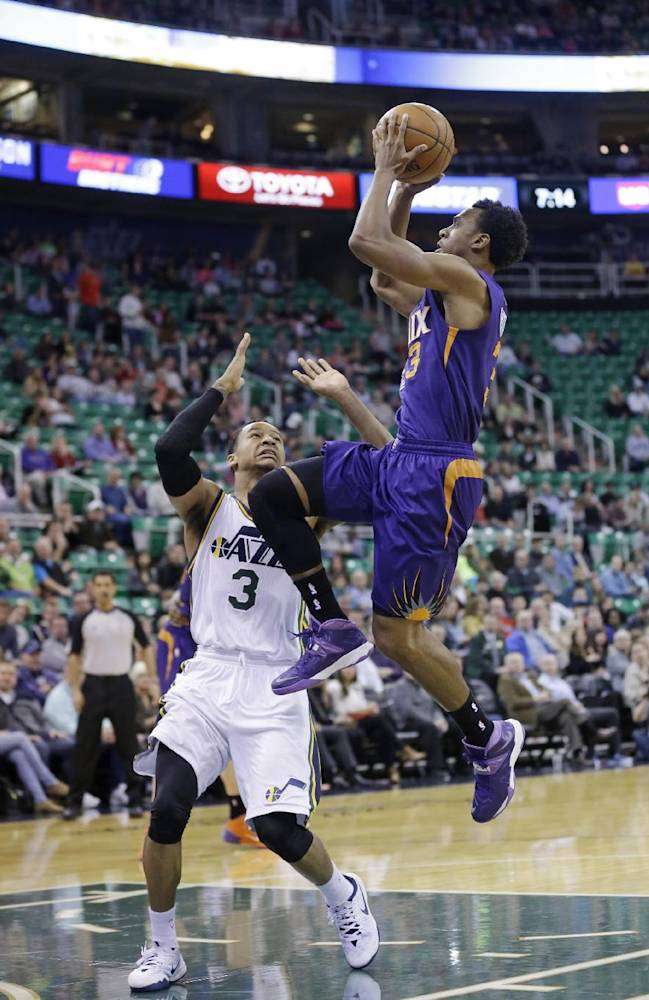 Hayward leads balanced Jazz past Suns, 109-86