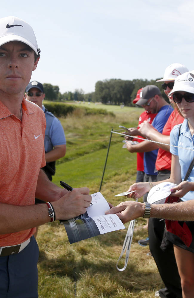 Tiger tries to regain winning form in Chicago