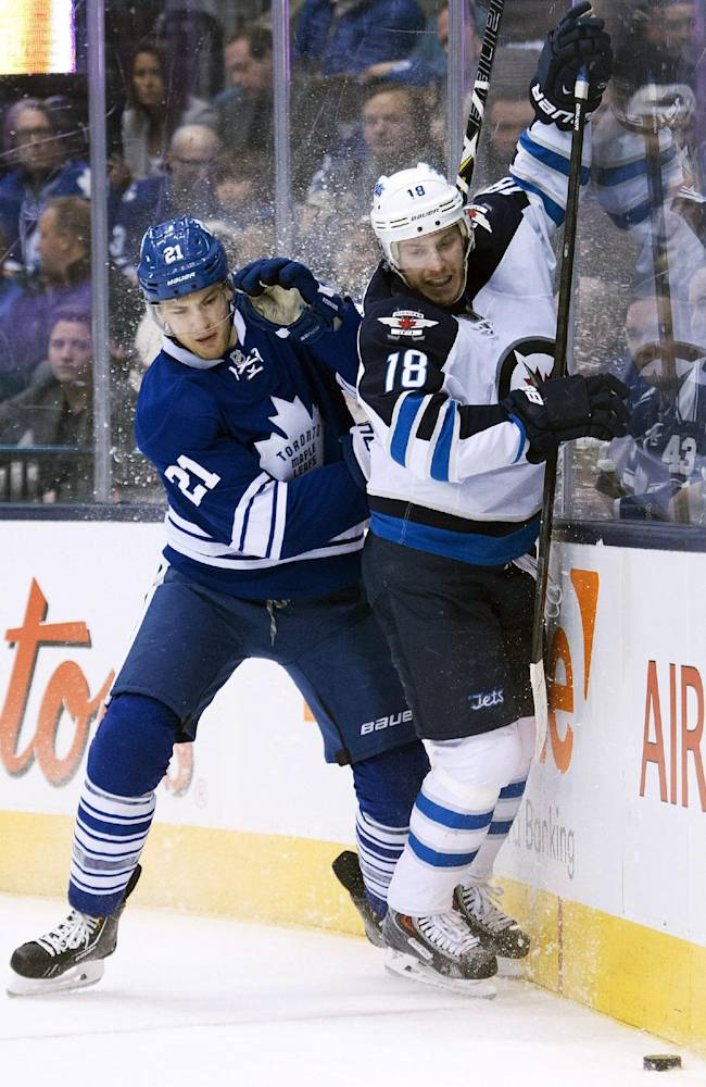 Enstrom gets tiebreaker in 2nd as Jets beat Leafs