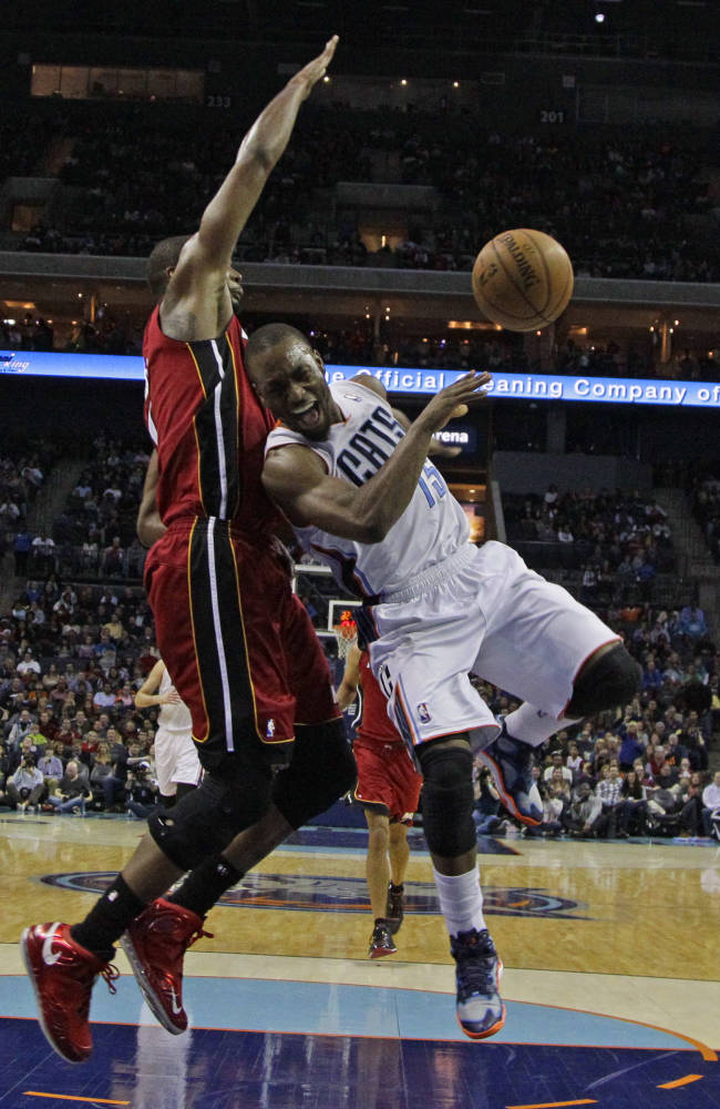 Bobcats G Walker out 10-14 days with ankle injury
