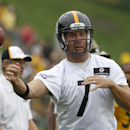 Pittsburgh Steelers quarterback Ben Roethlisberger (7) passes during practice at NFL football training camp in Latrobe, Pa., Sunday, July 27, 2014 The Associated Press