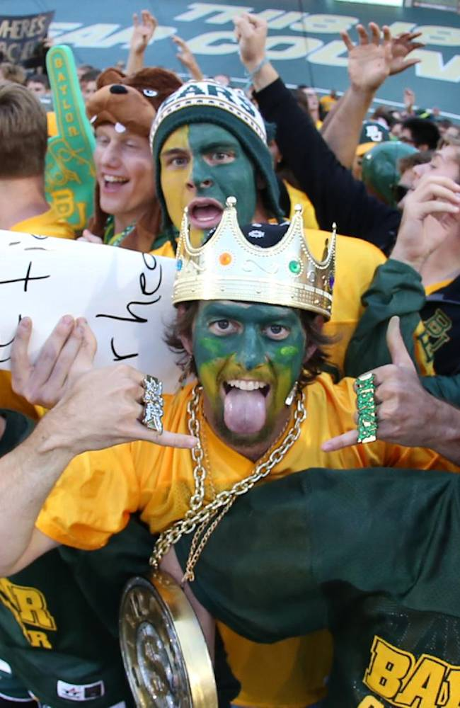 Baylor has sellout for Texas in stadium finale