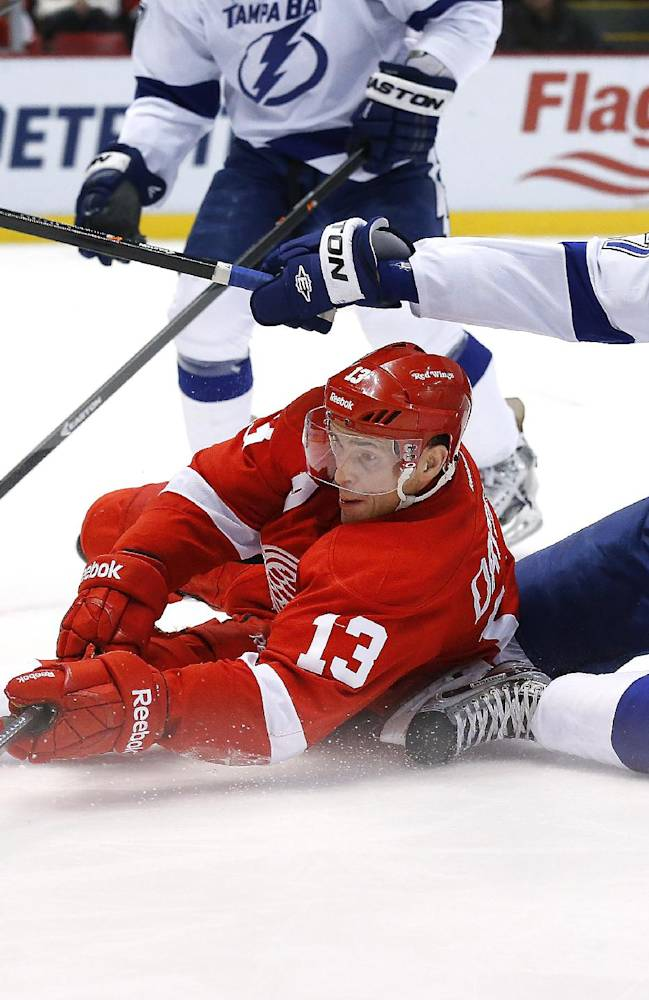 Bishop leads Lightning past Red Wings, 3-0