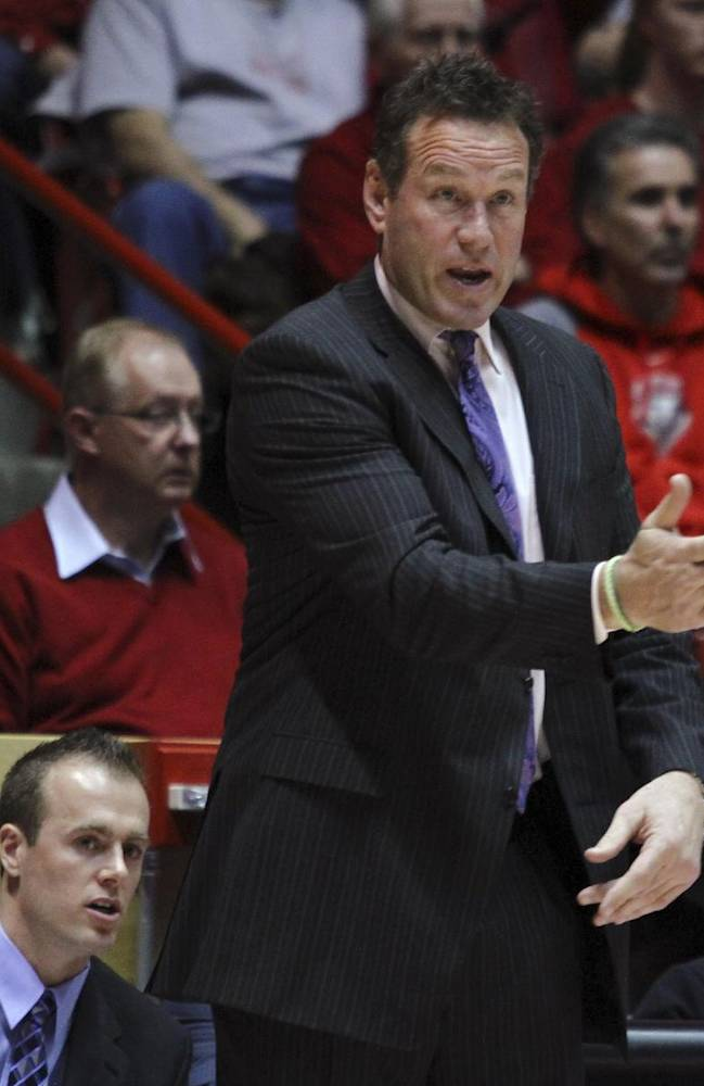 Grand Canyon coach Dan Majerle delivers instructions to his team during the first half of an NCAA college basketball game against New Mexico in Albuquerque, N.M., Monday, Dec. 23, 2013. New Mexico won 80-68