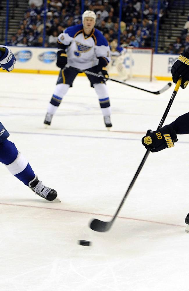Connolly scores tiebreaker as Lightning top Blues