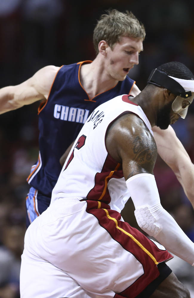 James scores 61, setting career-high and Heat-best