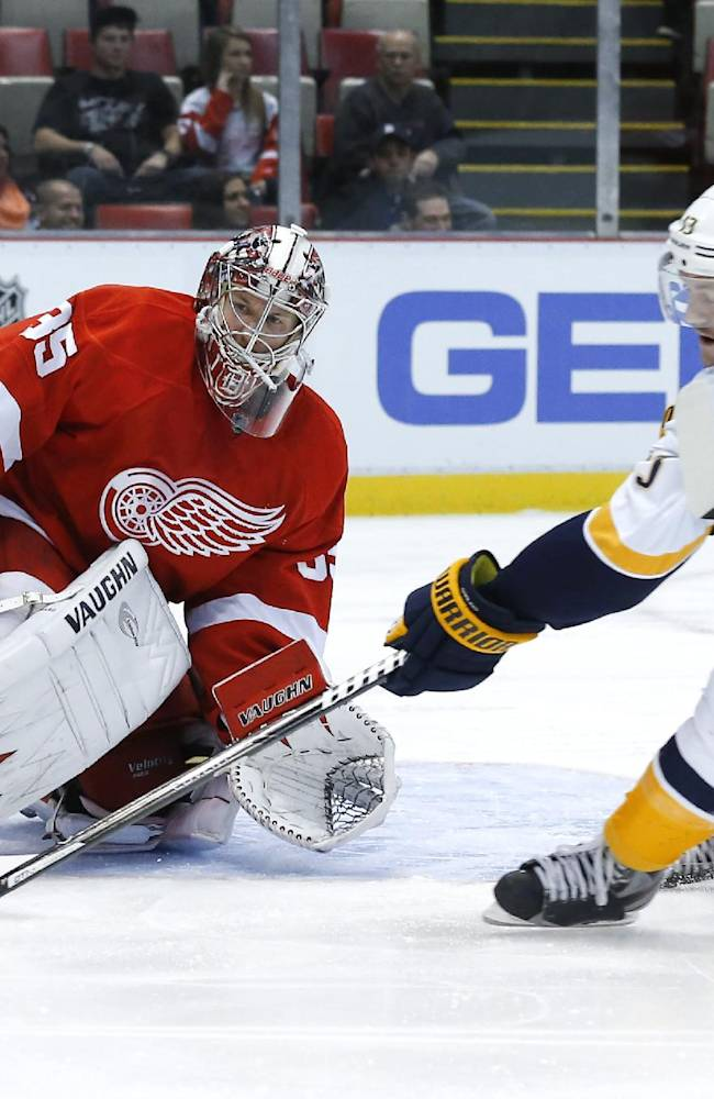 Predators beat slumping Red Wings 2-0