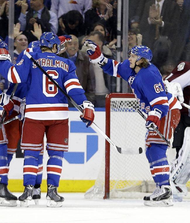 Callahan nets 2, Rangers beat Avs for 4th straight