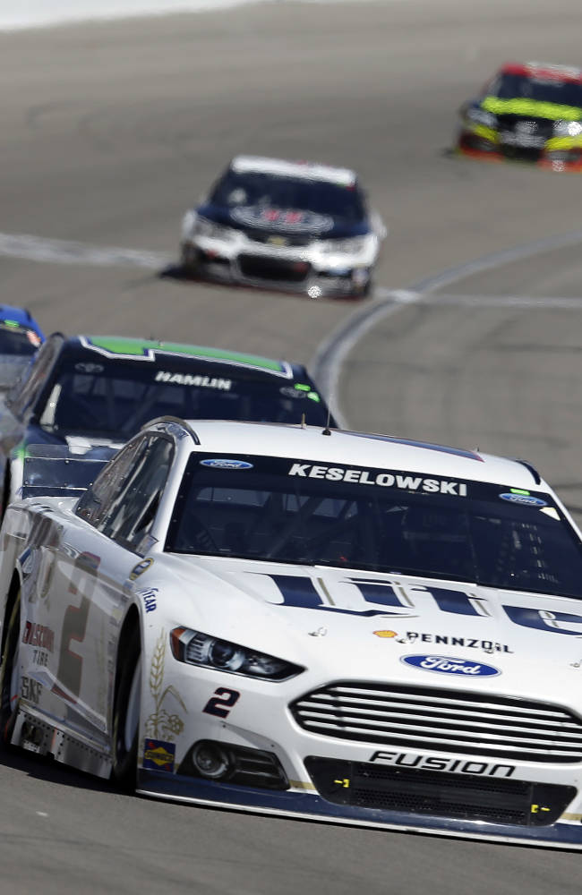 Keselowski edges Junior on last lap in Las Vegas