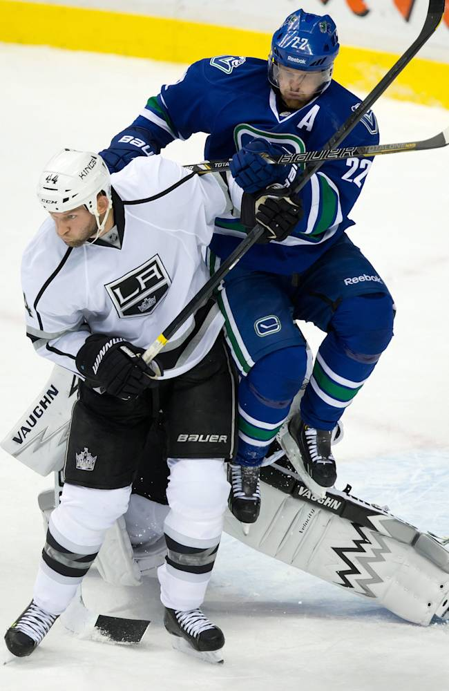Kopitar's OT goal caps Kings comeback over Canucks