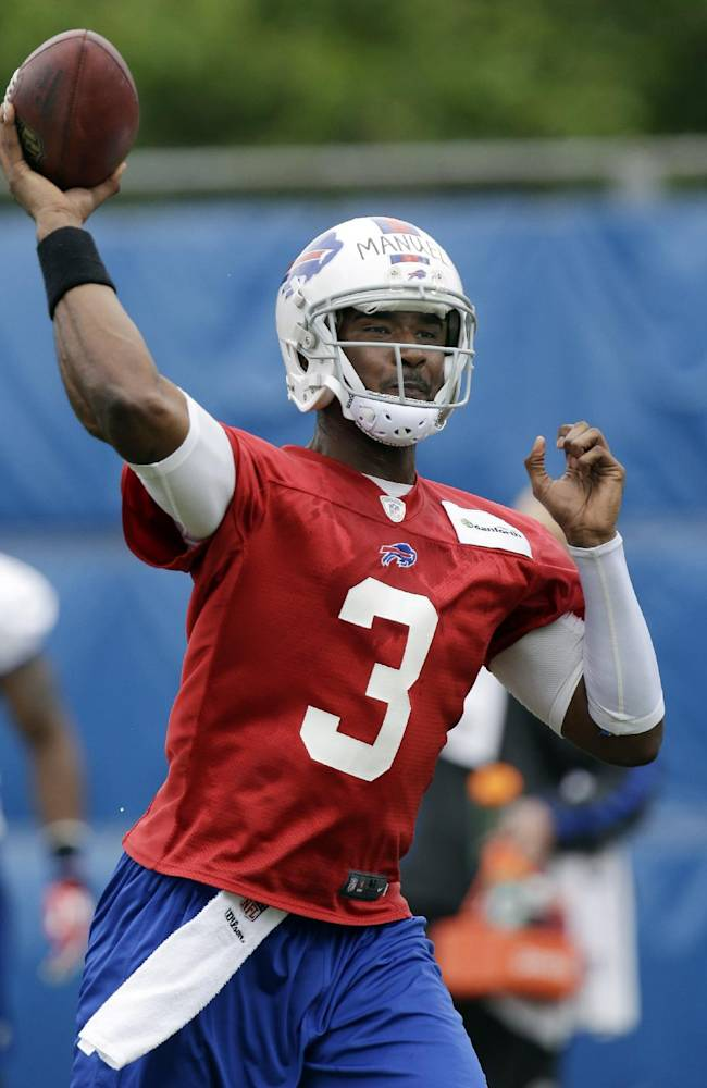 Bills sign rookie 1st-round draft pick, QB Manuel