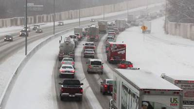 Raw: Minnesota Plagued by Unrelenting Snowstorm