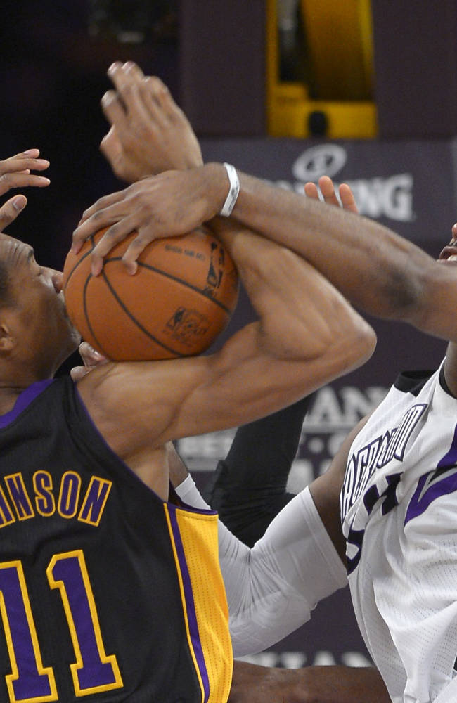 Farmar scores career-high 30 as Lakers beat Kings